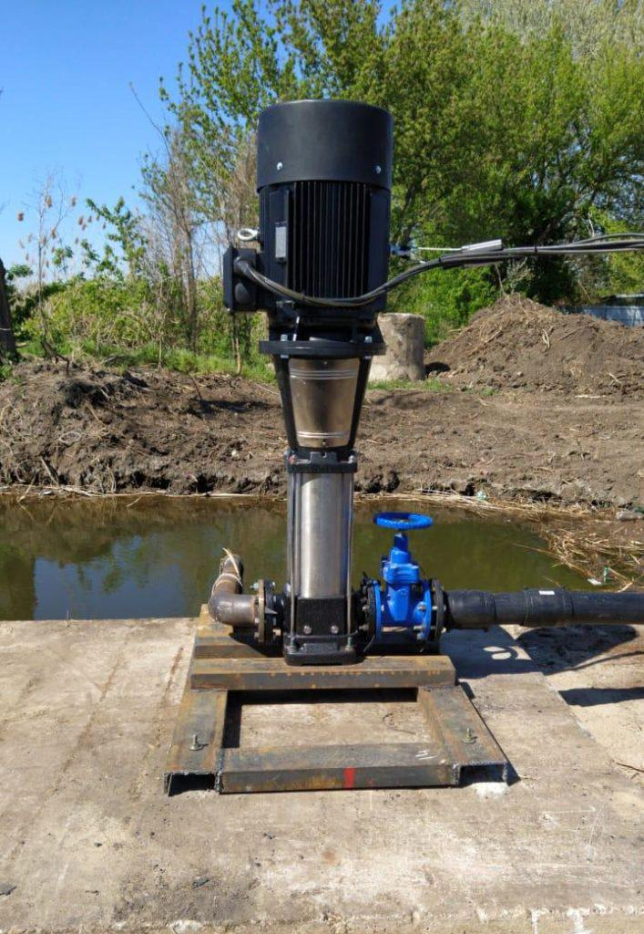 EVR 64-5, 90-4. Электронасос для дождевальной машины барабанной, фото на поливе