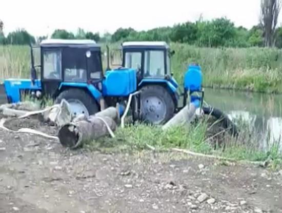два насоса от вом трактора 1020м3/ч на поливе риса